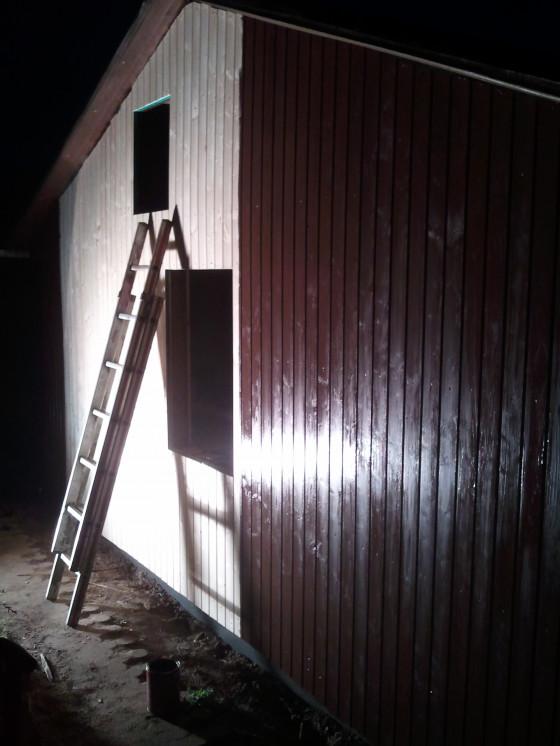 Nachts mit Baustrahler streichen